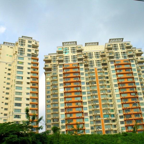 Многоквартирный дом по жилищному кодексу: правила проживания и управление домом или придомовой территорией, время тишины в нем и статья об этом
